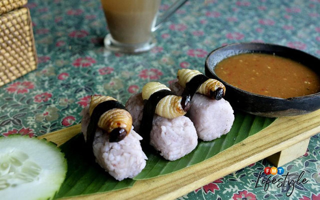 Rung minh voi mon sushi duong dua kinh di o Malaysia