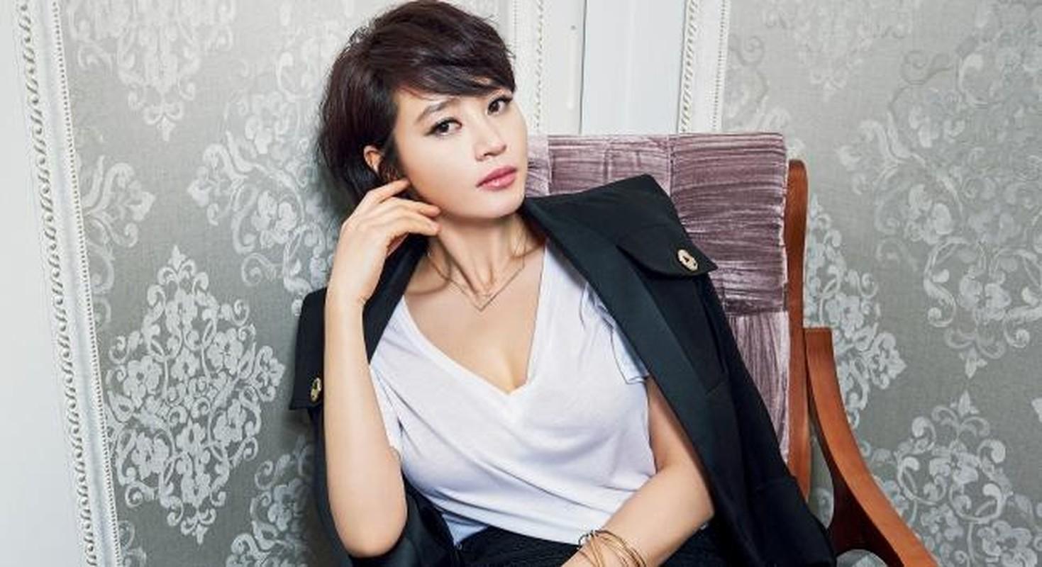 """Bi quyet giu dang nong bong kho tin cua """"nu hoang sexy xu Han"""" tuoi U50-Hinh-10"""