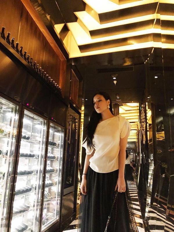 Em gai xinh dep cua Mai Phuong Thuy chuong gu an mac sang chanh-Hinh-11
