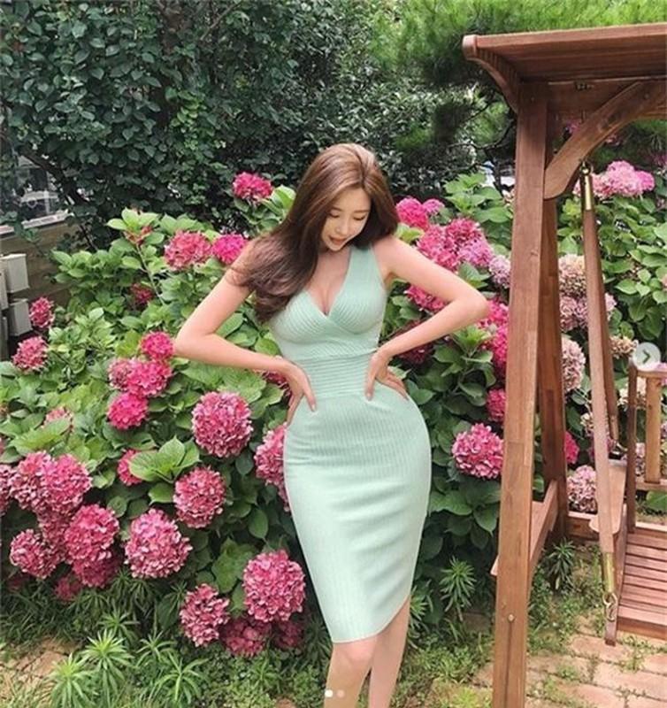 """Gu thoi trang nong bong cua my nhan duoc menh danh """"qua bom sexy"""" xu Han-Hinh-3"""
