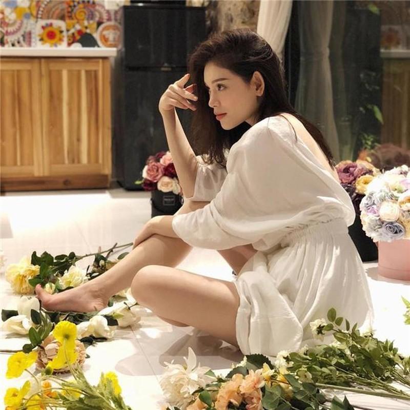 Linh Rin, ban gai cua em chong Ha Tang an mac cuc ky sang chanh-Hinh-6