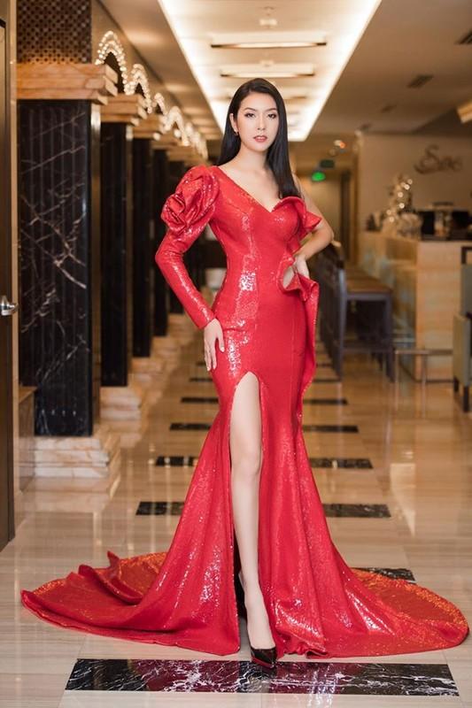 A hau Thuy Van an mac sanh dieu truoc khi lay chong hon 10 tuoi-Hinh-4