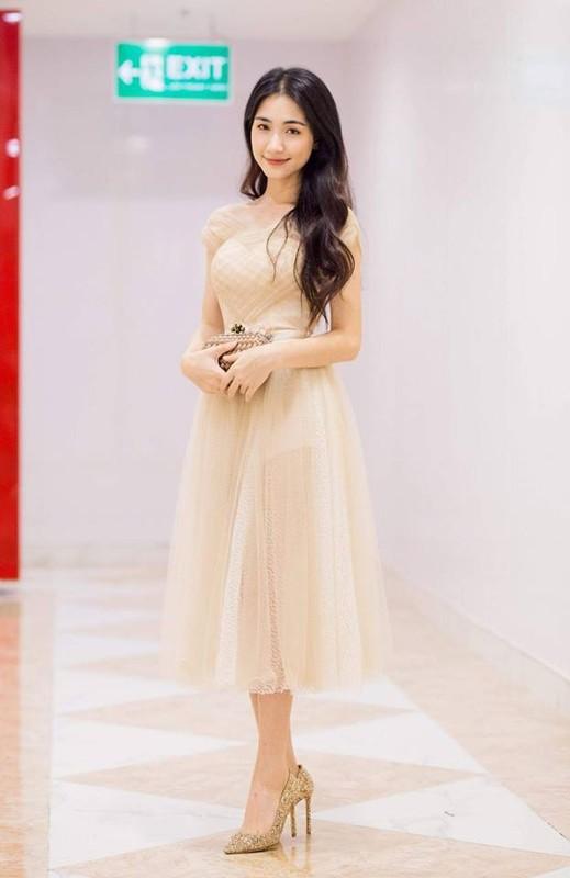 """Loat giay cao got nhu """"ca kheo"""" giup Hoa Minzy """"an gian"""" chieu cao-Hinh-10"""