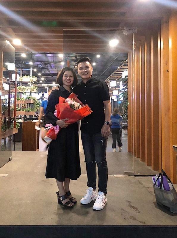 Cau thu Quang Hai an mac gian di van khien fan nu me met-Hinh-10