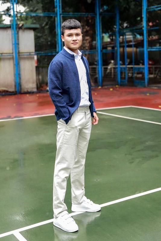 Cau thu Quang Hai an mac gian di van khien fan nu me met-Hinh-5