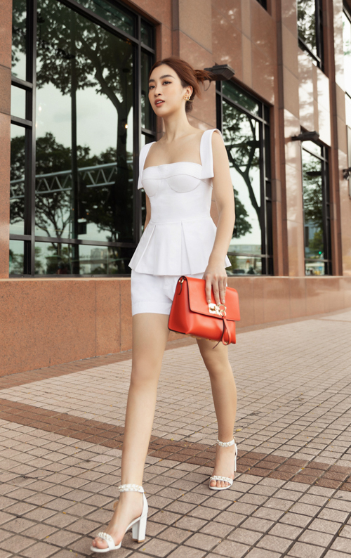 "Hoc my nhan Viet phoi do white on white dep ""chat ngat""-Hinh-6"