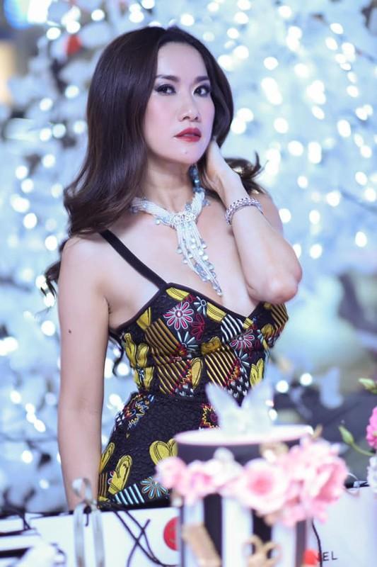 Choang ngop gu thoi trang sang chanh cua nu Viet kieu lay ty phu My-Hinh-6