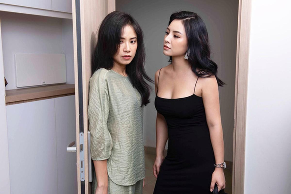 "Gu thoi trang nong bong nhuc mat cua ""tieu tam"" phim ""Lua chon so phan"""