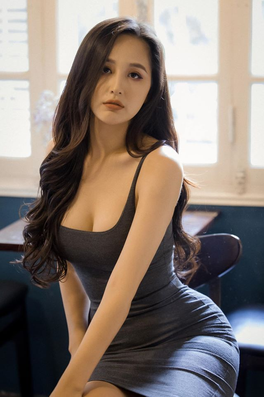 "Mai Phuong Thuy an mac goi cam khoe vong ba ""khung"" 105cm-Hinh-3"