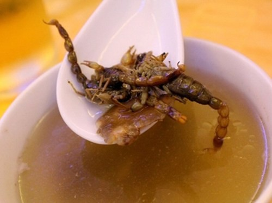 """Mon sup bo cap kinh di cua Trung Quoc khien du khach """"khoc thet"""""""