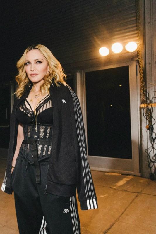 Diva Madonna luon giu voc dang nong bong ben nguoi tinh kem 36 tuoi-Hinh-3