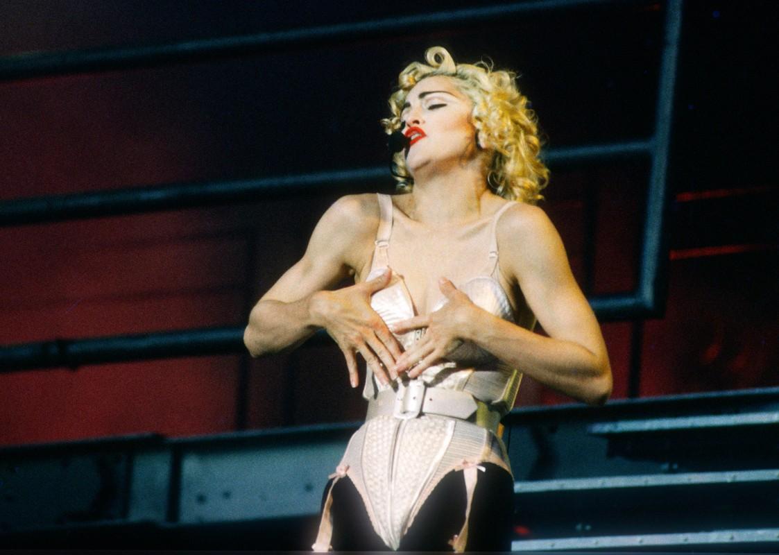 Diva Madonna luon giu voc dang nong bong ben nguoi tinh kem 36 tuoi-Hinh-6