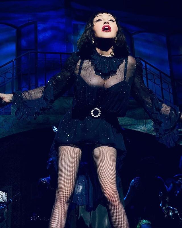 Diva Madonna luon giu voc dang nong bong ben nguoi tinh kem 36 tuoi-Hinh-8