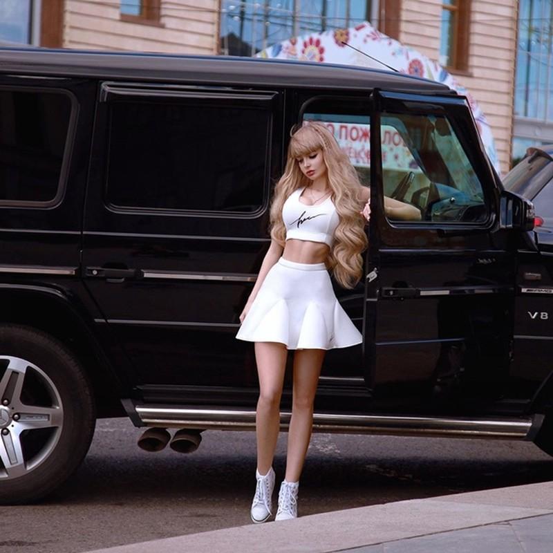 Hot girl Nga trong nhu bup be voi vong eo nho kho tin-Hinh-2