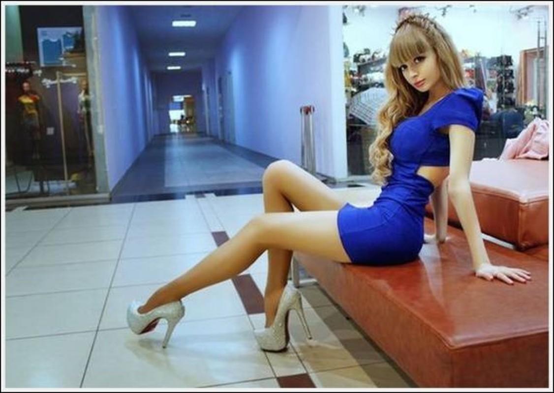 Hot girl Nga trong nhu bup be voi vong eo nho kho tin