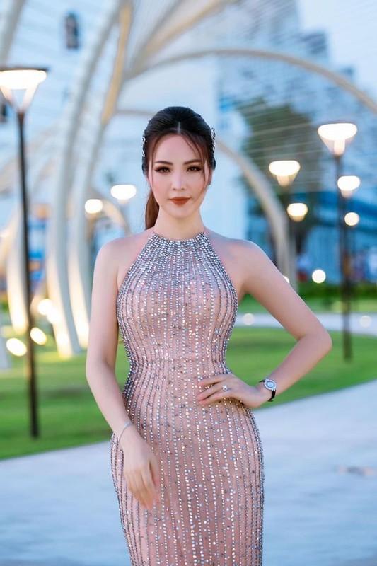 Ngam gu thoi trang sang trong va quyen ru cua A hau Thuy Van-Hinh-10