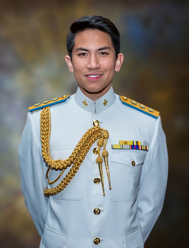 Ngam gu thoi trang nam tinh cua Hoang tu Brunei vua dang tuyen vo-Hinh-2
