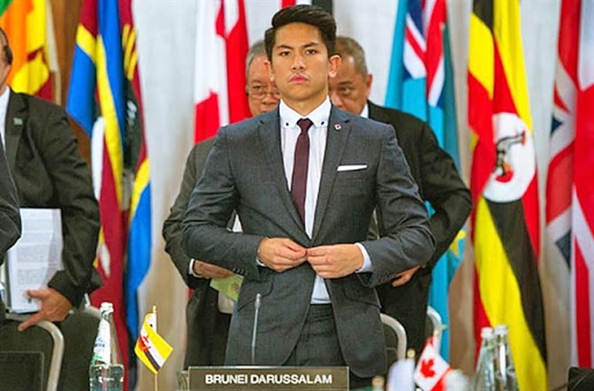 Ngam gu thoi trang nam tinh cua Hoang tu Brunei vua dang tuyen vo-Hinh-8