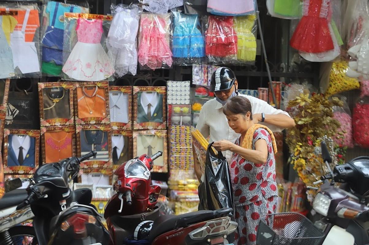 Ram thang 7: Nguoi buon vang ma ngoi choi vi vang khach-Hinh-4