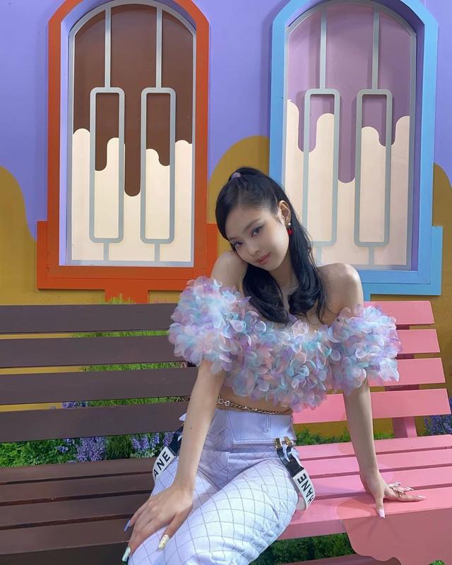 Jennie (BlackPink) an uong nghiem ngat de giu vong eo nho kho tin-Hinh-6