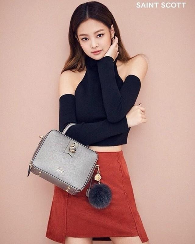 Gu thoi trang goi cam khoe vong eo 50cm cua Jennie (BlackPink)-Hinh-8