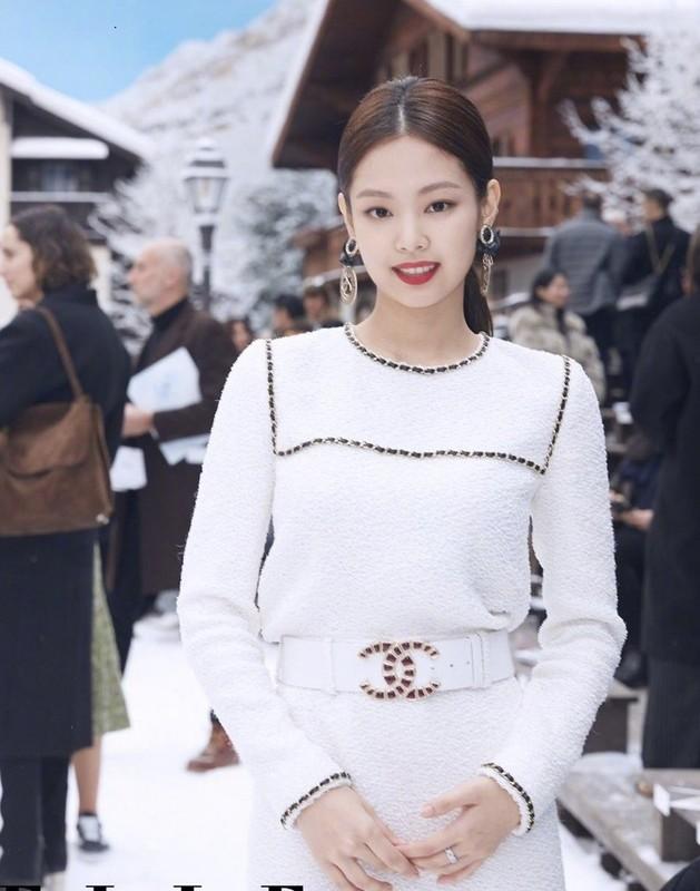 Gu thoi trang goi cam khoe vong eo 50cm cua Jennie (BlackPink)-Hinh-9