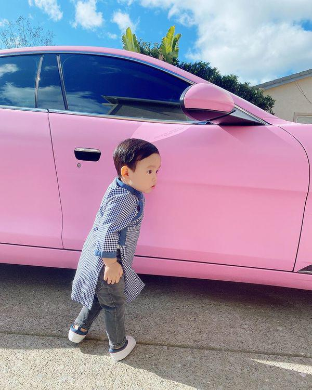 Con trai Pham Huong be ti nhung me cho an mac sanh dieu vo cung-Hinh-12