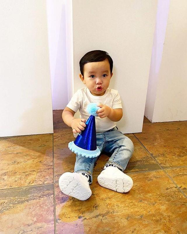 Con trai Pham Huong be ti nhung me cho an mac sanh dieu vo cung-Hinh-9