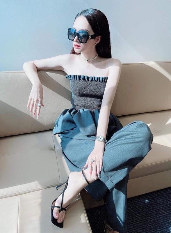 Nhung kieu phoi ao quay sexy duoc sao Viet yeu thich-Hinh-3