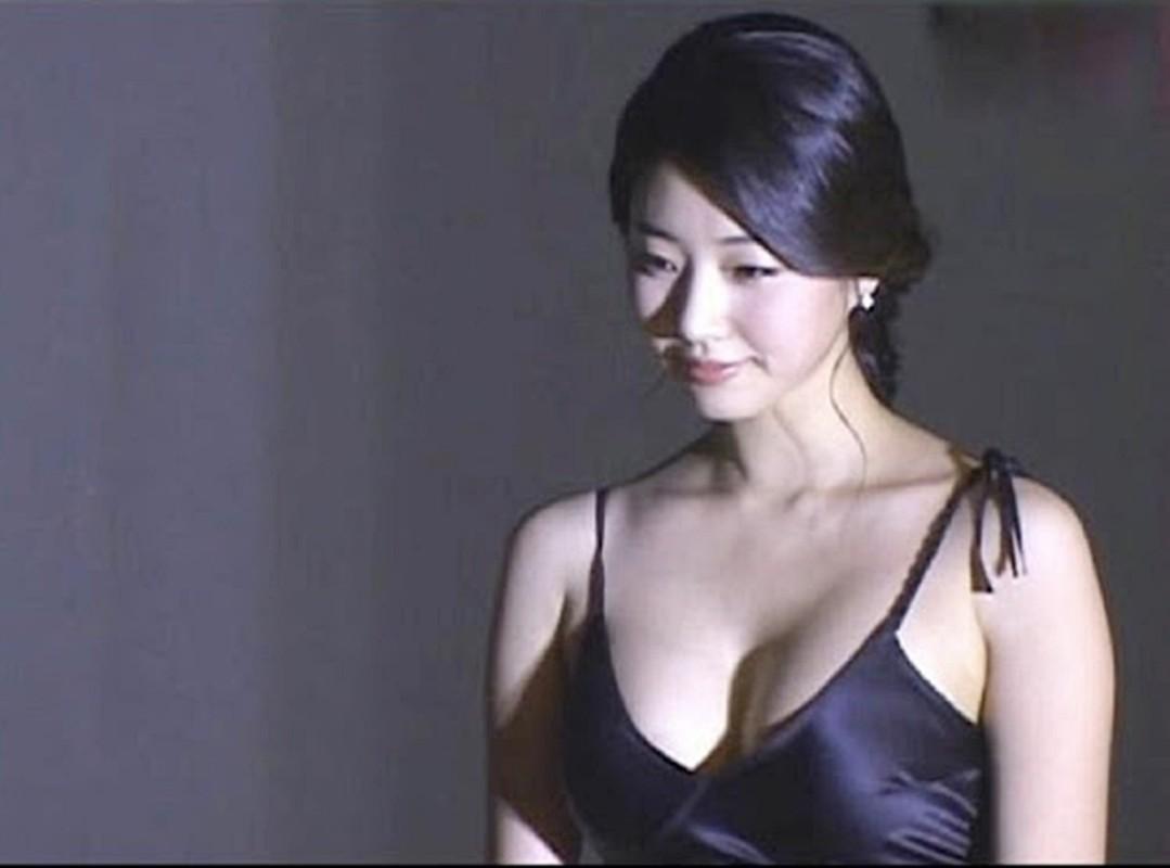 """Hoa hau nguc khung"" Kim Sa Rang tiet lo bi quyet giu dang o tuoi 42-Hinh-4"