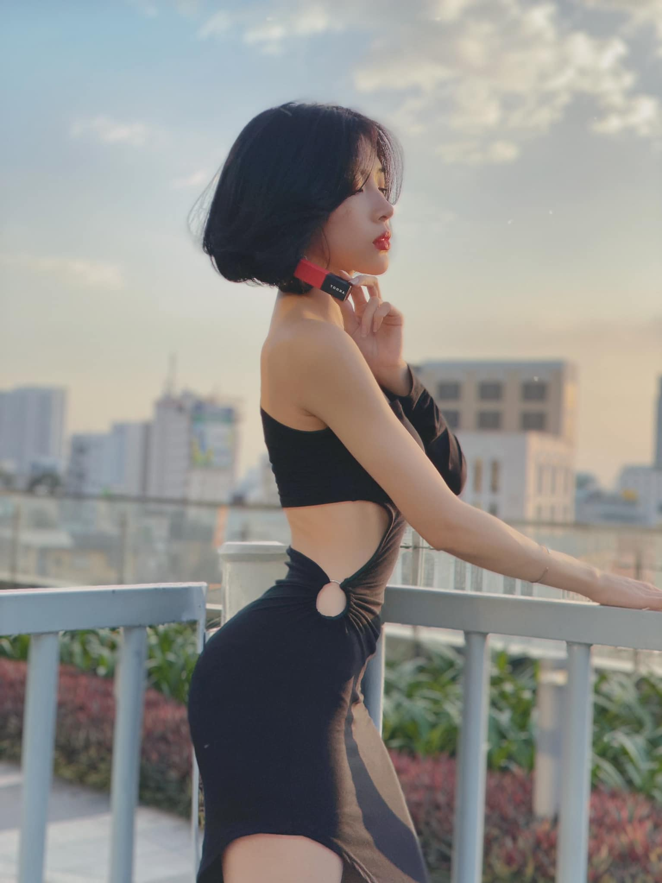 Gu thoi trang cuc sexy cua hot girl Sai Gon so huu vong eo 51cm-Hinh-12