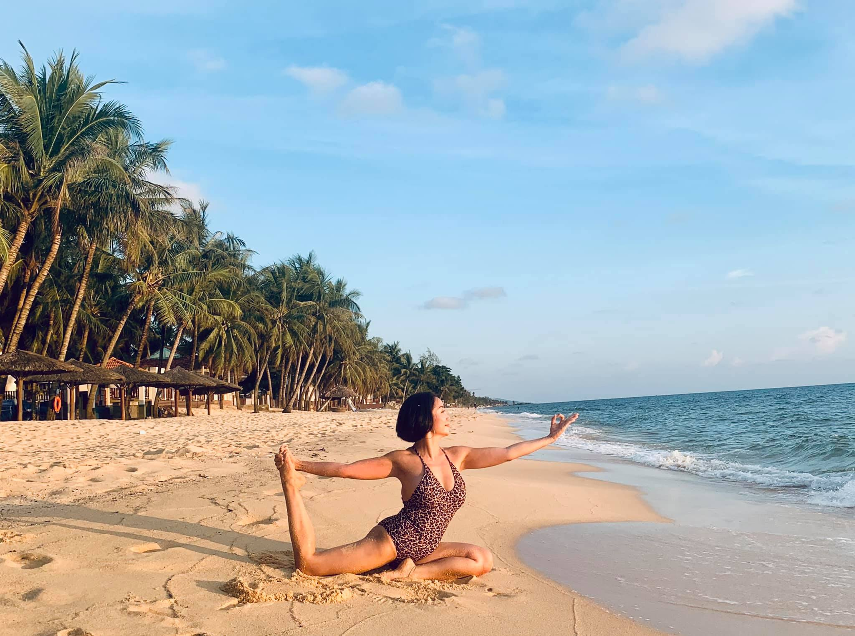 Me 3 con Oc Thanh Van giu voc dang nong bong nho yoga-Hinh-5