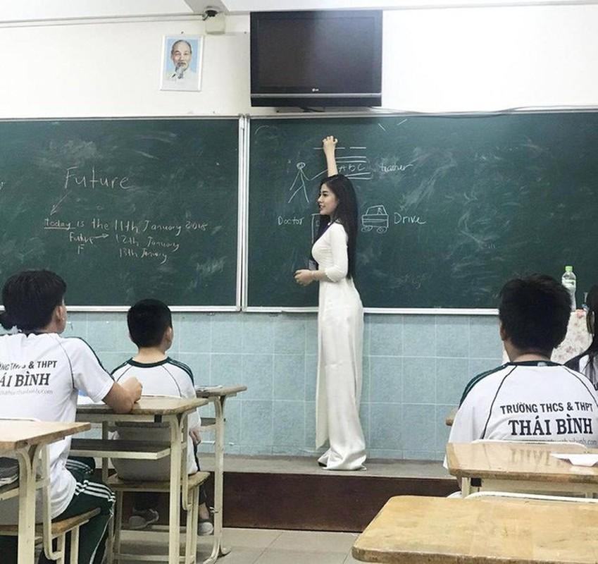 """Co giao ngoai ngu Sai Gon an mac nong bong """"dot mat"""" nguoi nhin-Hinh-2"""