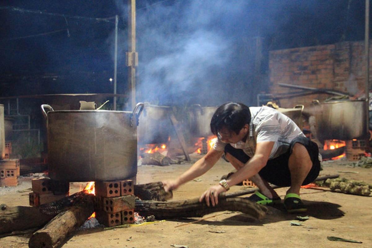 Khap noi goi banh chung ap ap tinh nguoi gui dong bao mien Trung-Hinh-10
