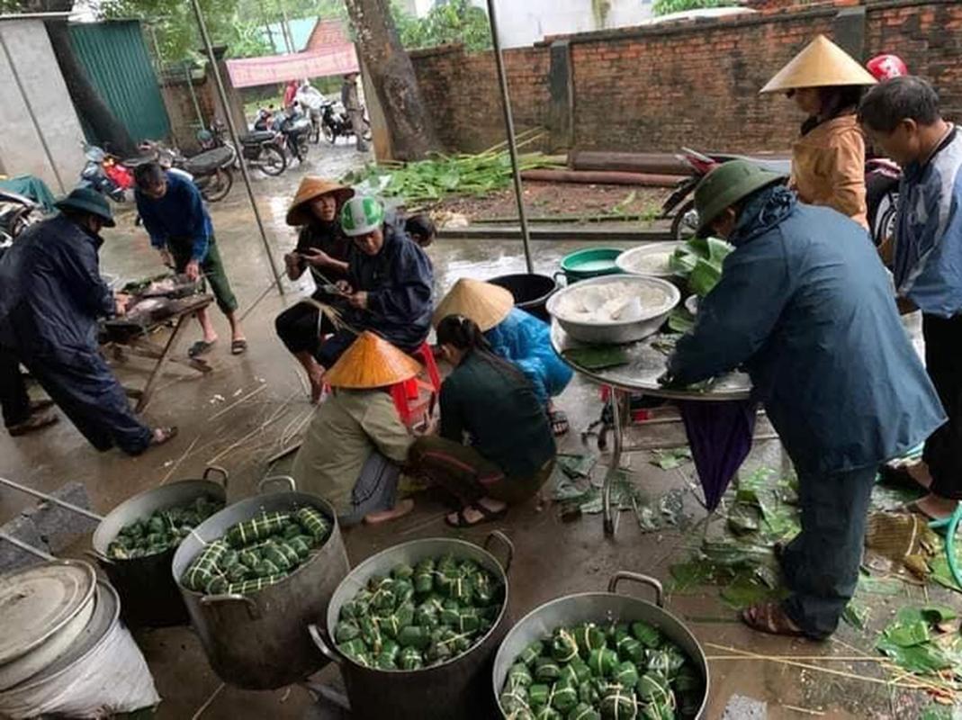 Khap noi goi banh chung ap ap tinh nguoi gui dong bao mien Trung-Hinh-9