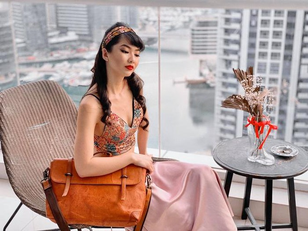 Gu thoi trang nong bong cua hotgirl Ha Noi lam tiep vien hang khong Dubai-Hinh-10