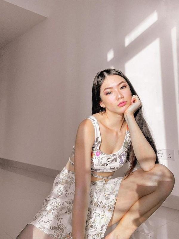 Gu thoi trang nong bong cua hotgirl Ha Noi lam tiep vien hang khong Dubai-Hinh-12
