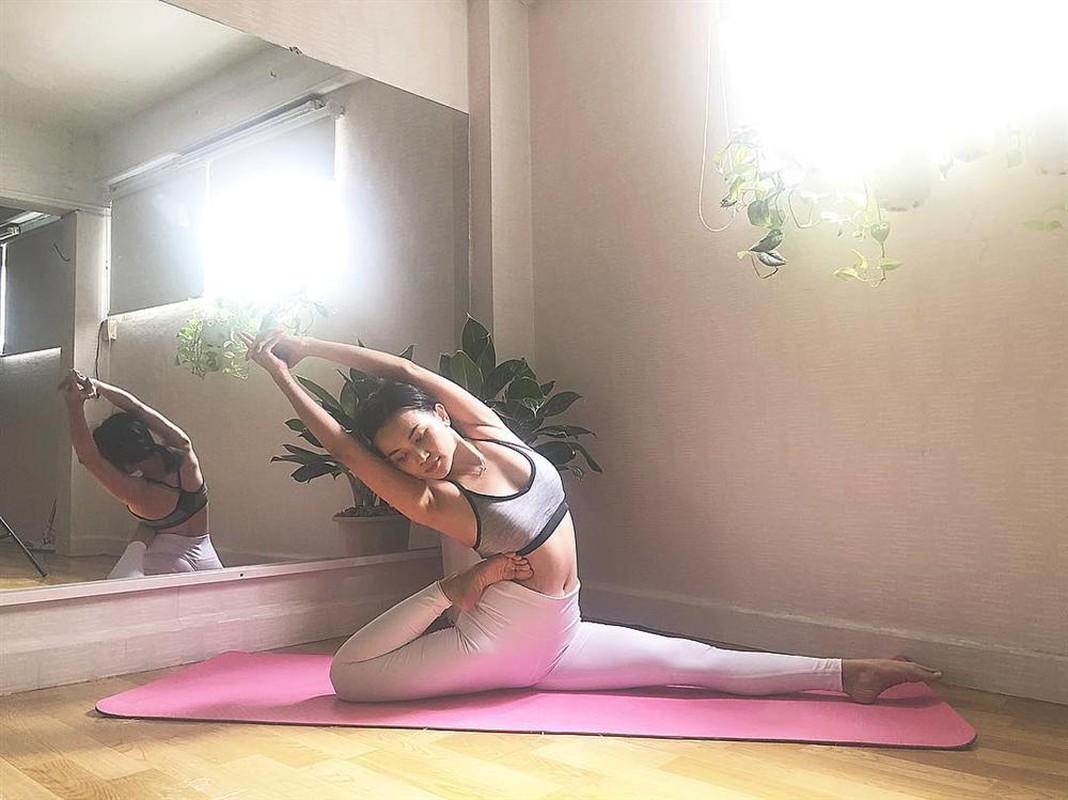 "Si Thanh ""dot mat"" nguoi nhin voi cac tu the yoga cuc sexy-Hinh-6"