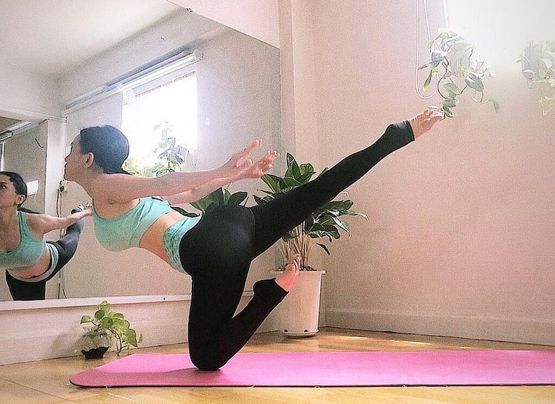 "Si Thanh ""dot mat"" nguoi nhin voi cac tu the yoga cuc sexy-Hinh-7"