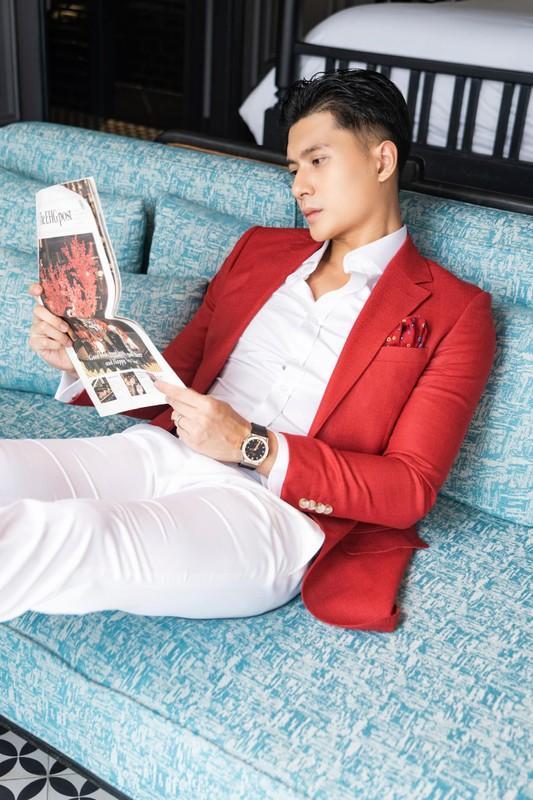Ban trai tin don cua Le Quyen thu hut voi gu thoi trang cuc nam tinh-Hinh-5