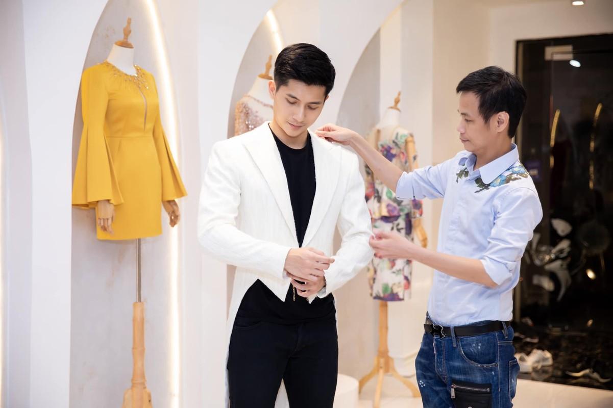 Ban trai tin don cua Le Quyen thu hut voi gu thoi trang cuc nam tinh-Hinh-9