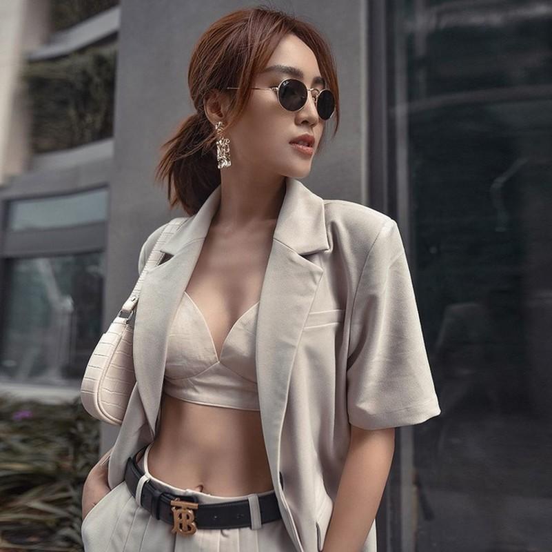 "Ninh Duong Lan Ngoc khoe vong eo ""con kien"" voi loat ao croptop sexy-Hinh-11"