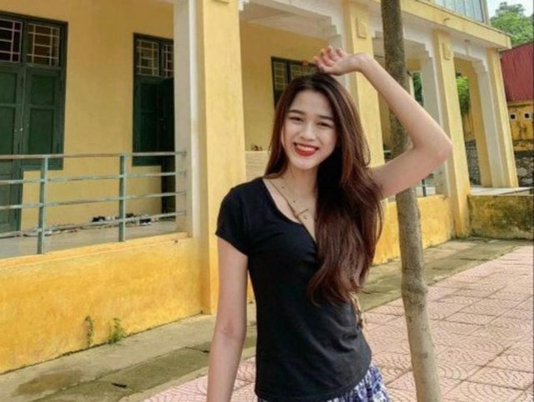 Gu thoi trang doi thuong binh di cua tan hoa hau Do Thi Ha-Hinh-3