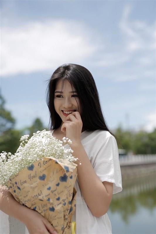 Gu thoi trang doi thuong binh di cua tan hoa hau Do Thi Ha-Hinh-8