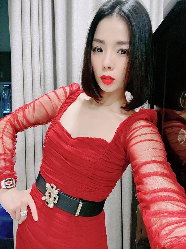 """""""Nhuc mat"""" loat vay ao ho bao cua Le Quyen hau ly hon-Hinh-11"""
