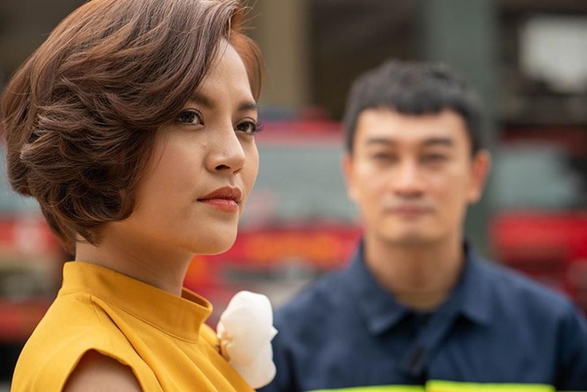 """""""Tieu tam"""" tro tren trong phim Lua Am ngoai doi an mac cuc goi cam"""
