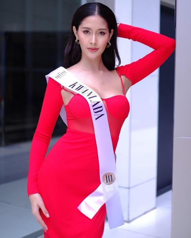 Ngam gu thoi trang goi cam cua tan Hoa hau Chuyen gioi Thai Lan-Hinh-7