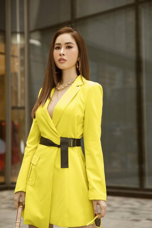 Hoa hau Phan Ngoc Han an mac cuc sexy sau do vo tinh cam-Hinh-11