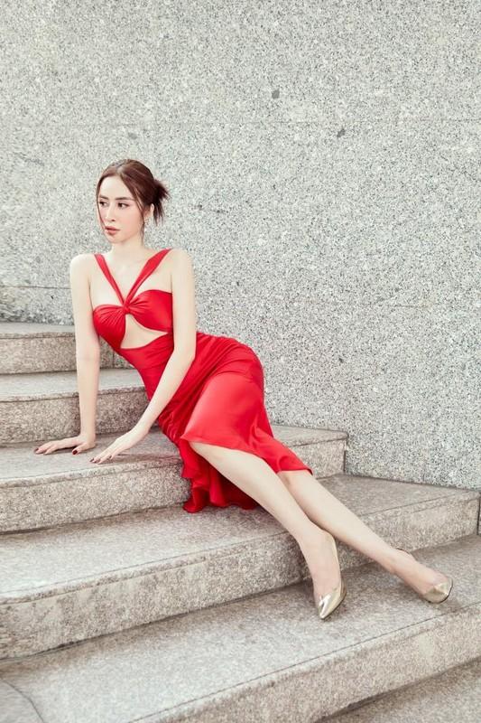 Hoa hau Phan Ngoc Han an mac cuc sexy sau do vo tinh cam-Hinh-2