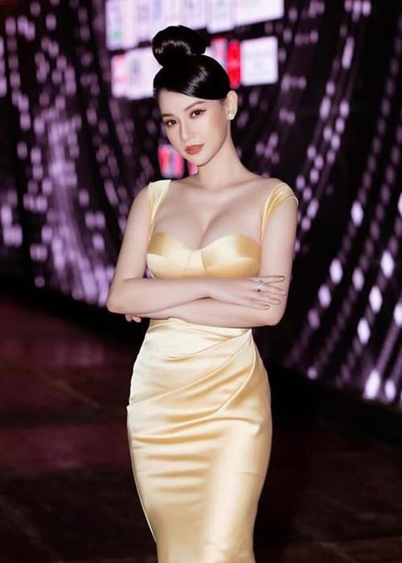 """Nhung my nhan Viet gay """"nhuc mat"""" vi mac ho bao khi lam MC-Hinh-6"""
